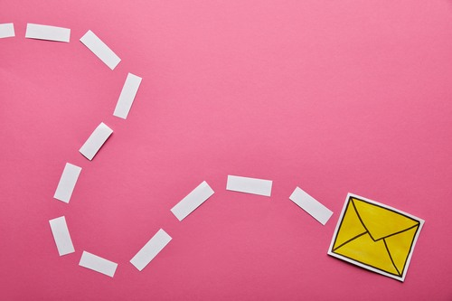 Skriv til brevkassen om annoncering på Facebook og Instagram samt markedsføring på sociale medier